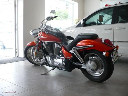 honda-vtx-1300c-2006[3]
